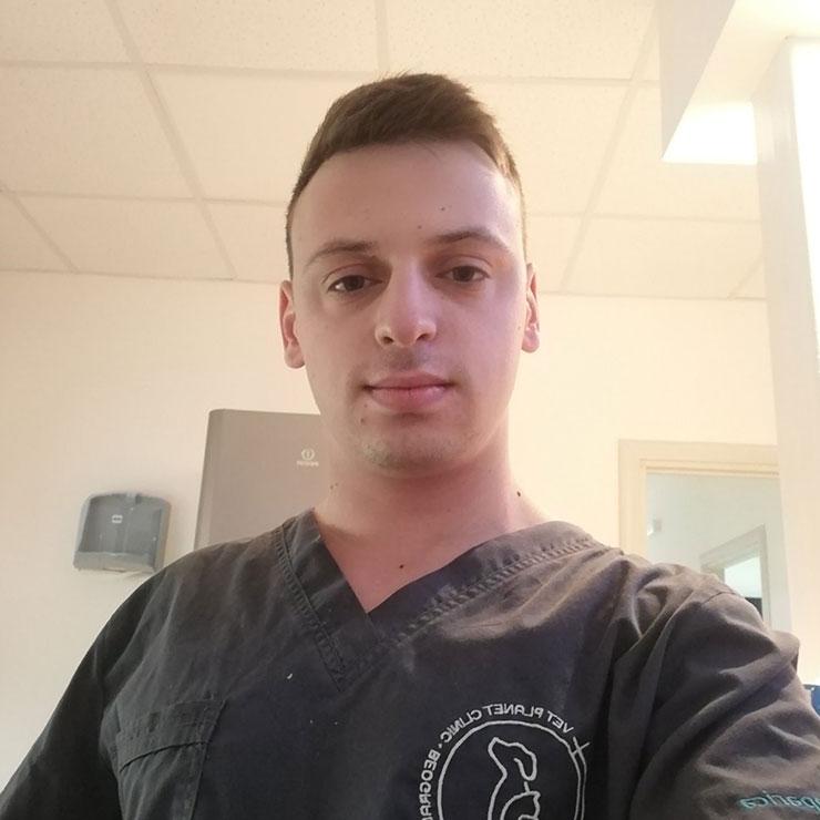 vetplanet-clinic-andrija-dakovic-dezurni-veterinar-ugljesa-jaksic